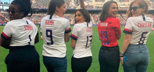 Natalie Portman y otras famosas se unen para crear un equipo de futbol femenil