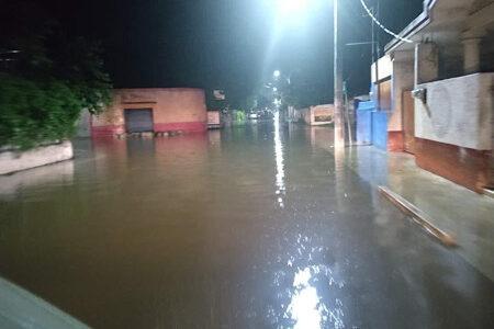 Frente frío ocasiona inundaciones en Motul