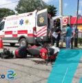 Motociclista se estampa y manda a su mamá al hospital