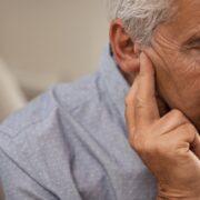 Estudio alerta por nuevo síntoma de Coronavirus: la sordera