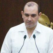 Menos 'chapoteo' político y más soluciones, pide un diputado