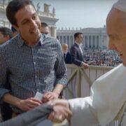 Papa Francisco respalda uniones civiles de parejas del mismo sexo