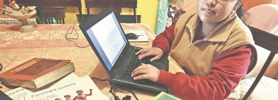 Niña genio: tiene 15 años y propone tratamiento antiCovid