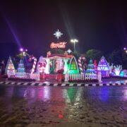 Empresas se unen al decorado navideño en diferentes puntos de la ciudad
