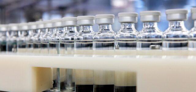Primeros lotes de vacuna contra COVID-19 estarían disponibles en México en algunas semanas, asegura Arturo Herrera